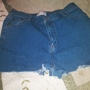 Vintage high waisted cut off jean shorts